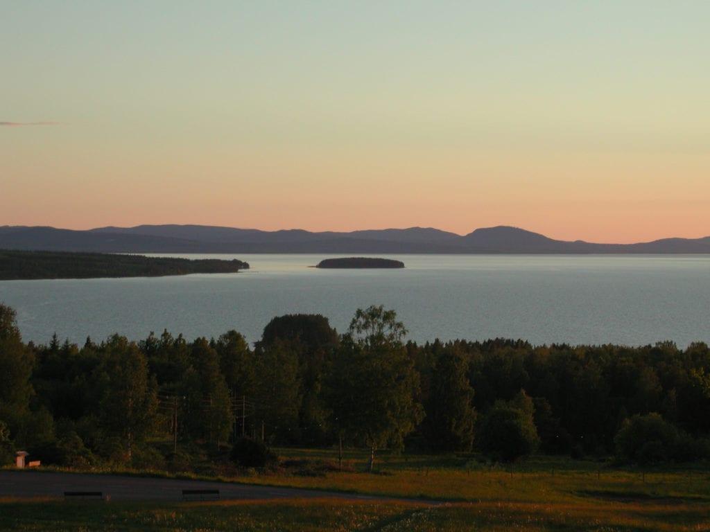 Utsikten över Siljan är fantastisk från Tällbergsgården